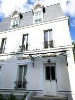 Location Maison 10 pièces Asnieres sur Seine