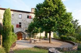 Maison Joannas &bull; <span class='offer-area-number'>520</span> m² environ &bull; <span class='offer-rooms-number'>12</span> pièces