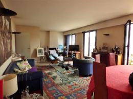 Appartement Paris 17 &bull; <span class='offer-area-number'>110</span> m² environ &bull; <span class='offer-rooms-number'>4</span> pièces