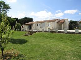 Maison Echillais &bull; <span class='offer-area-number'>99</span> m² environ &bull; <span class='offer-rooms-number'>5</span> pièces