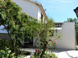 Maison Floirac &bull; <span class='offer-area-number'>77</span> m² environ &bull; <span class='offer-rooms-number'>3</span> pièces