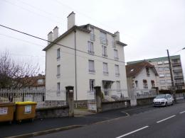 Appartement Aurillac &bull; <span class='offer-area-number'>58</span> m² environ &bull; <span class='offer-rooms-number'>3</span> pièces