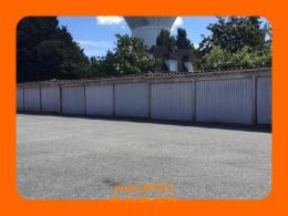 Location Parking Louvres