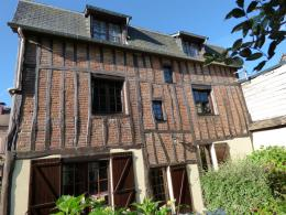 Maison St Clair sur Epte &bull; <span class='offer-area-number'>170</span> m² environ &bull; <span class='offer-rooms-number'>8</span> pièces