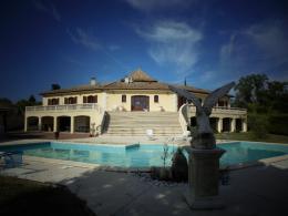 Maison Bonzac &bull; <span class='offer-area-number'>350</span> m² environ &bull; <span class='offer-rooms-number'>10</span> pièces