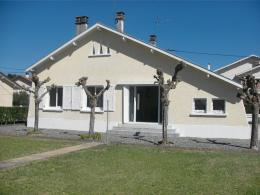 Maison Nay &bull; <span class='offer-area-number'>58</span> m² environ &bull; <span class='offer-rooms-number'>3</span> pièces