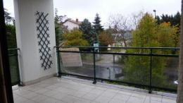 Location Appartement 4 pièces Charbonnieres les Bains