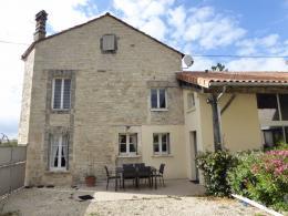 Maison Villejoubert &bull; <span class='offer-area-number'>122</span> m² environ &bull; <span class='offer-rooms-number'>4</span> pièces