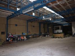 Maison Douai &bull; <span class='offer-area-number'>500</span> m² environ &bull; <span class='offer-rooms-number'>3</span> pièces
