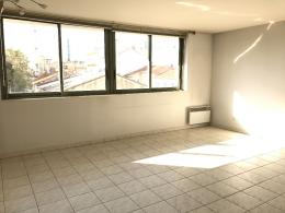 Appartement Toulon &bull; <span class='offer-area-number'>89</span> m² environ &bull; <span class='offer-rooms-number'>3</span> pièces