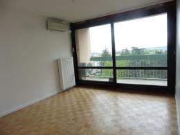 Appartement St Genis Laval &bull; <span class='offer-area-number'>59</span> m² environ &bull; <span class='offer-rooms-number'>3</span> pièces