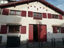 Location Bureau 8 pièces St Jean de Luz