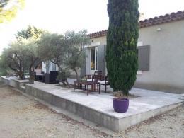 Location Villa 3 pièces Eyguieres