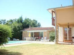 Maison Montricoux &bull; <span class='offer-area-number'>230</span> m² environ &bull; <span class='offer-rooms-number'>8</span> pièces