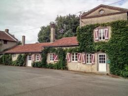 Location Villa 6 pièces Busset