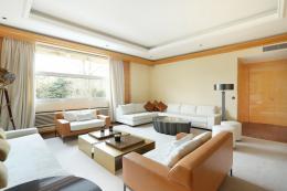 Location Appartement 8 pièces Paris 16