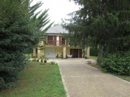 Maison Condat sur Vezere &bull; <span class='offer-area-number'>172</span> m² environ &bull; <span class='offer-rooms-number'>7</span> pièces