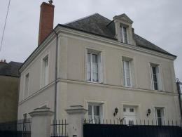 Maison Chateau Renault &bull; <span class='offer-area-number'>210</span> m² environ &bull; <span class='offer-rooms-number'>8</span> pièces