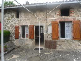 Maison Montrollet &bull; <span class='offer-area-number'>127</span> m² environ &bull; <span class='offer-rooms-number'>3</span> pièces