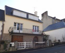 Maison Guingamp &bull; <span class='offer-area-number'>135</span> m² environ &bull; <span class='offer-rooms-number'>6</span> pièces