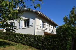 Maison Hagetmau &bull; <span class='offer-area-number'>117</span> m² environ &bull; <span class='offer-rooms-number'>6</span> pièces