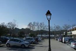 Location Commerce Trans en Provence