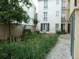 Appartement St Ouen &bull; <span class='offer-area-number'>73</span> m² environ &bull; <span class='offer-rooms-number'>3</span> pièces