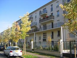 Appartement Ste Genevieve des Bois &bull; <span class='offer-area-number'>47</span> m² environ &bull; <span class='offer-rooms-number'>3</span> pièces