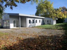 Location Bureau 11 pièces Montereau Fault Yonne