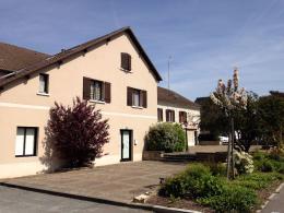 Location Commerce 9 pièces Le Plessis Belleville