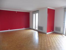 Appartement Lyon 04 &bull; <span class='offer-area-number'>83</span> m² environ &bull; <span class='offer-rooms-number'>3</span> pièces