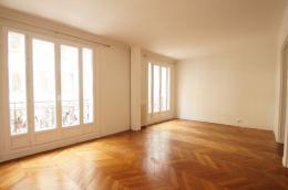 Appartement Paris 17 &bull; <span class='offer-area-number'>70</span> m² environ &bull; <span class='offer-rooms-number'>4</span> pièces