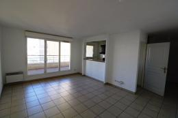Appartement Marseille 02 &bull; <span class='offer-area-number'>63</span> m² environ &bull; <span class='offer-rooms-number'>3</span> pièces