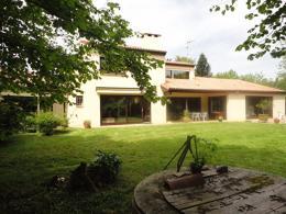 Maison Aire sur l Adour &bull; <span class='offer-area-number'>250</span> m² environ &bull; <span class='offer-rooms-number'>5</span> pièces