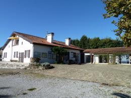 Maison Ste Marie de Gosse &bull; <span class='offer-area-number'>420</span> m² environ &bull; <span class='offer-rooms-number'>10</span> pièces