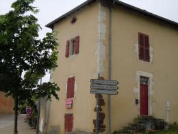 Maison Montaut &bull; <span class='offer-area-number'>99</span> m² environ &bull; <span class='offer-rooms-number'>4</span> pièces
