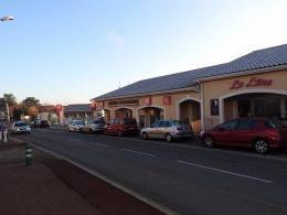 Location Commerce Veauche
