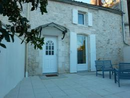 Maison Corme Royal &bull; <span class='offer-area-number'>116</span> m² environ &bull; <span class='offer-rooms-number'>5</span> pièces