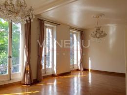 Location Appartement 5 pièces Paris 03