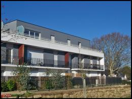 Appartement Larmor Plage &bull; <span class='offer-area-number'>64</span> m² environ &bull; <span class='offer-rooms-number'>3</span> pièces