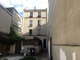 Appartement Bagnolet &bull; <span class='offer-area-number'>33</span> m² environ &bull; <span class='offer-rooms-number'>2</span> pièces
