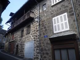 Appartement Vic sur Cere &bull; <span class='offer-area-number'>41</span> m² environ &bull; <span class='offer-rooms-number'>2</span> pièces