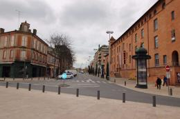 Commerce Montauban &bull; <span class='offer-area-number'>95</span> m² environ &bull; <span class='offer-rooms-number'>2</span> pièces