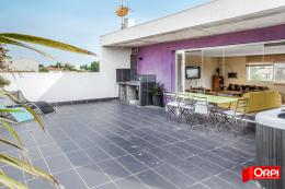 Maison Grau d Agde &bull; <span class='offer-area-number'>230</span> m² environ &bull; <span class='offer-rooms-number'>6</span> pièces