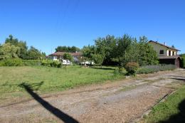 Terrain La Tour du Pin &bull; <span class='offer-area-number'>1 500</span> m² environ