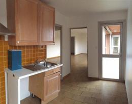 Location Appartement 4 pièces Senas