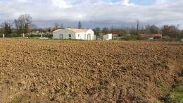 Terrain St Romain de Benet &bull; <span class='offer-area-number'>1 104</span> m² environ