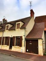 Maison St Amand Montrond &bull; <span class='offer-area-number'>82</span> m² environ &bull; <span class='offer-rooms-number'>3</span> pièces
