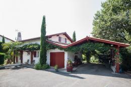 Maison Mouguerre &bull; <span class='offer-area-number'>120</span> m² environ &bull; <span class='offer-rooms-number'>4</span> pièces