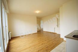 Location Appartement 3 pièces Le Coudray Montceaux